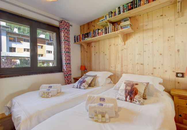 Bed and Breakfast in Morzine - Chalet Poppy GF En-Suite