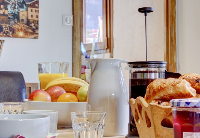 Rent by room in Morzine - Chalet Poppy Top Twin