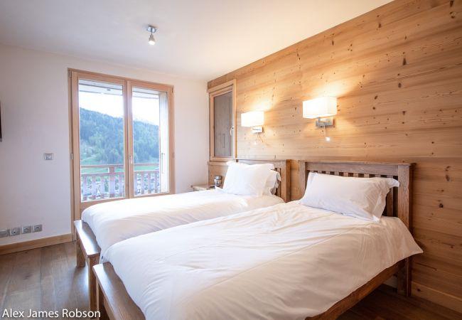 Luxury Chalet Morzine Bull de Neige Snow and Trek Morzine